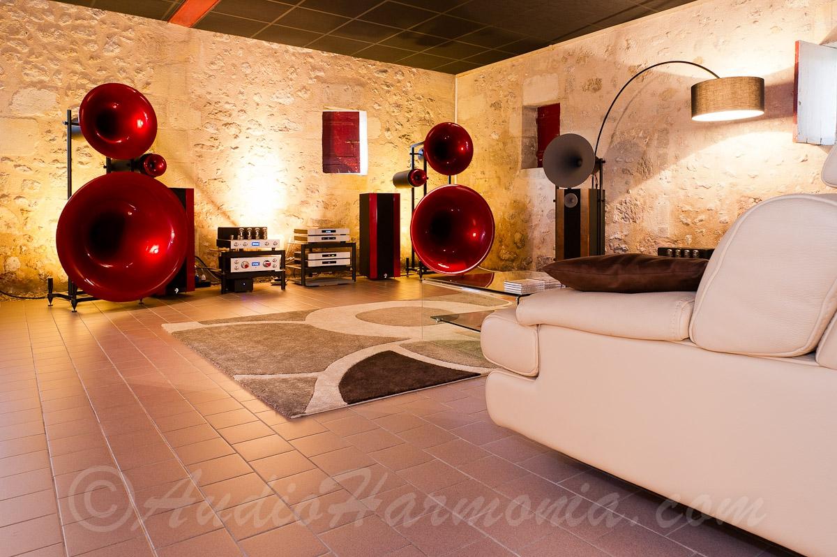 http://www.audioharmonia.com/Salle_2042_20-_20AVG_20Trio_20VAC_20MT_20Uno_20-_2012000.jpg?v=1mvaro7am0xr8